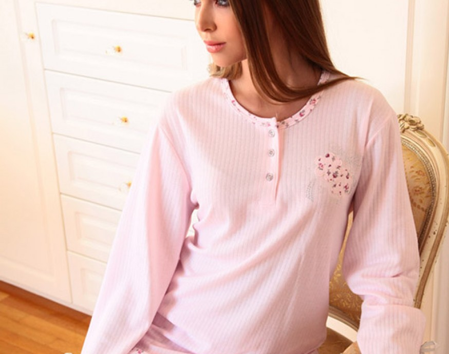 Choose pajamas and nightwear from the collection of Lydia Creations 780b0a05b73